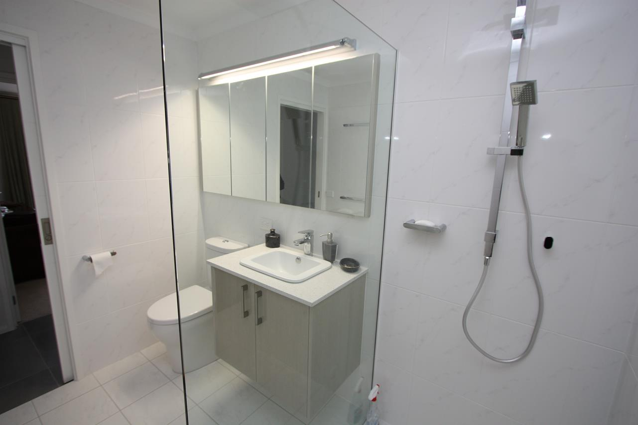 Kitchen renovations canberra welcome to canberra kitchen for Small bathroom renovations canberra