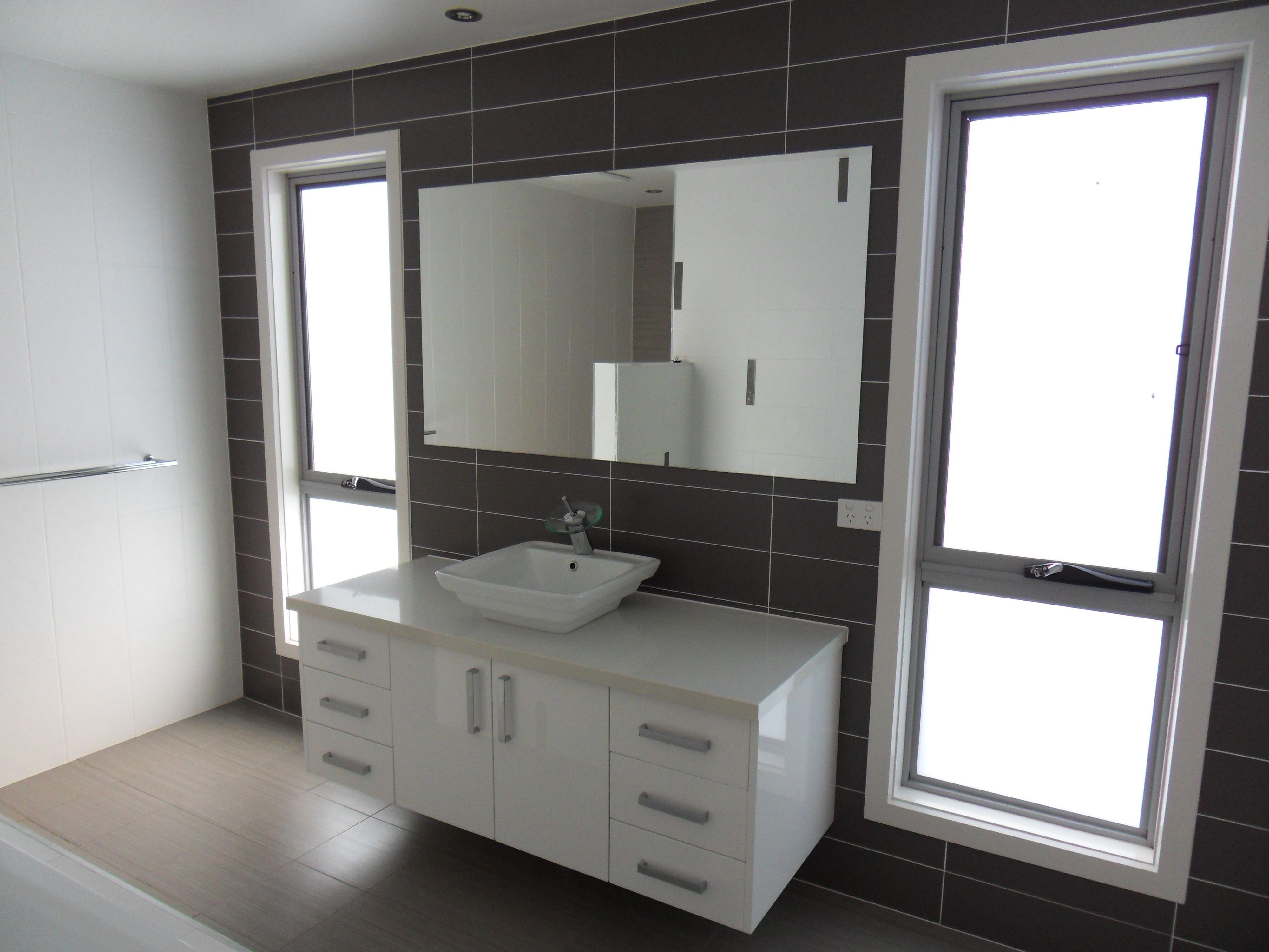 Our gallery kitchen and bathroom renovations canberra avado for Bathroom renovations canberra