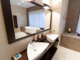 Bathrooms_077